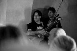 9_i-musicisti-mentre-ascoltano-la-lettura